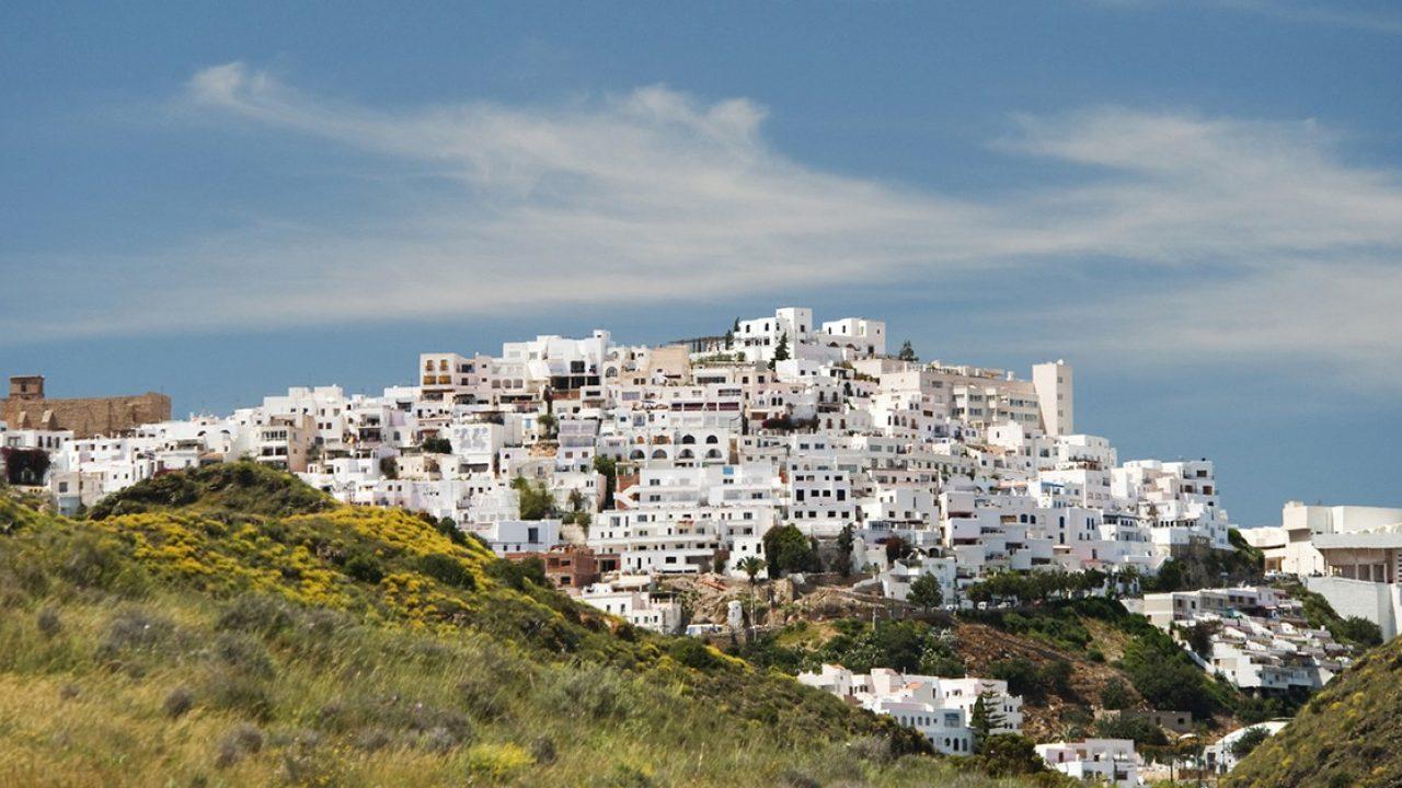 ▻ 5 pueblos costeros andaluces para disfrutar del verano
