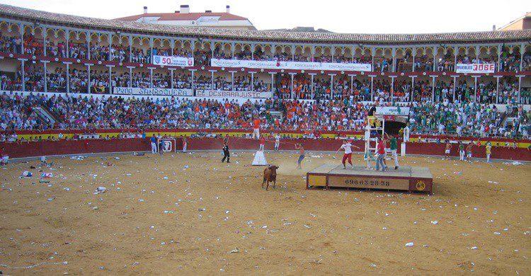 Plaza de toros de Calatayud en fiestas. HeSaGa (Wikipedia Creative Commons)