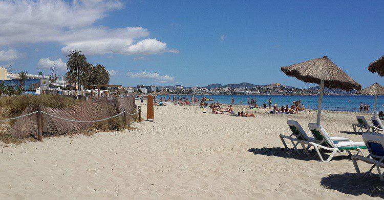 Playa d'en Bossa. Dickrijnsdorp (Flickr)