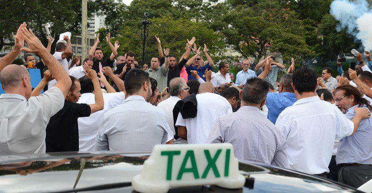 Los taxistas en pie de guerra contra Uber y Cabify (Fuente: Agencia Brasil Fotografías / Flickr)