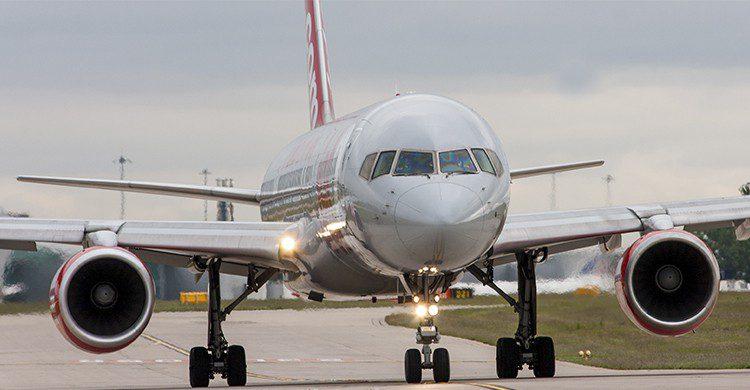Aterrizaje de uno de los aviones de la compañía Jet2 (flickr)