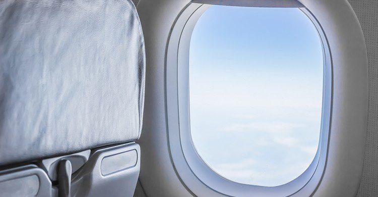 ventana y asientos avion no alineadas