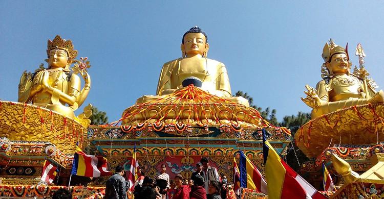 Estatua de Buda en un templo de Nepal