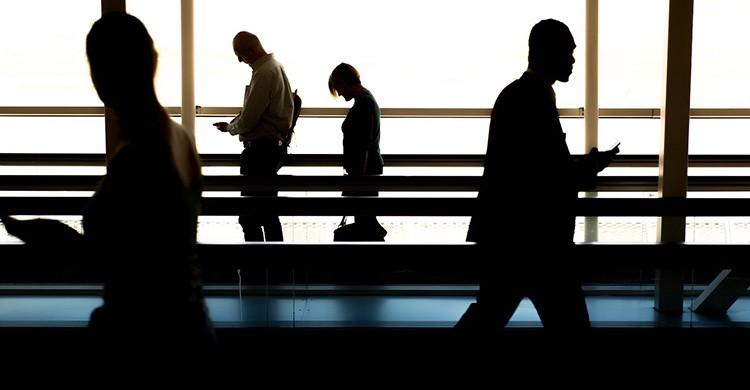 Personas en el aeropuerto