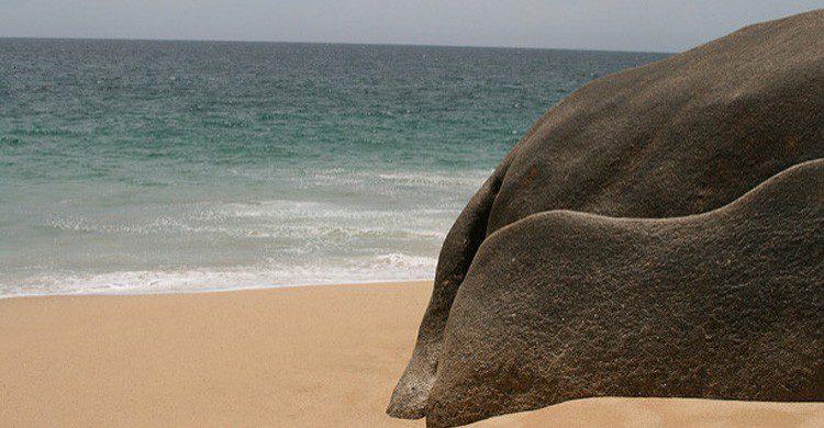 La 'isla del divorcio' en el Cabo de San Lucas, México (Fuente: Heydrienne / Flickr)