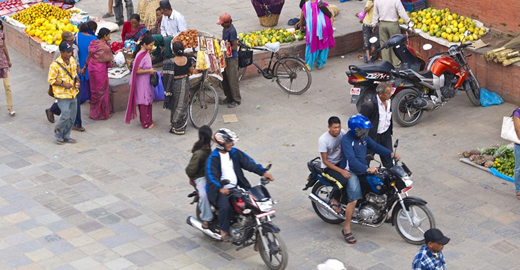 Motos en una plaza de Katmandú, Nepal