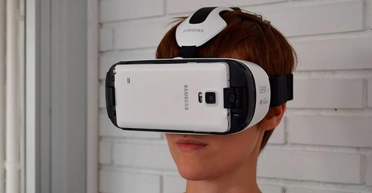 Con el casco de realidad virtual (Psious, Facebook)
