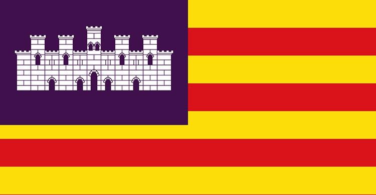 La bandera de las Islas Baleares