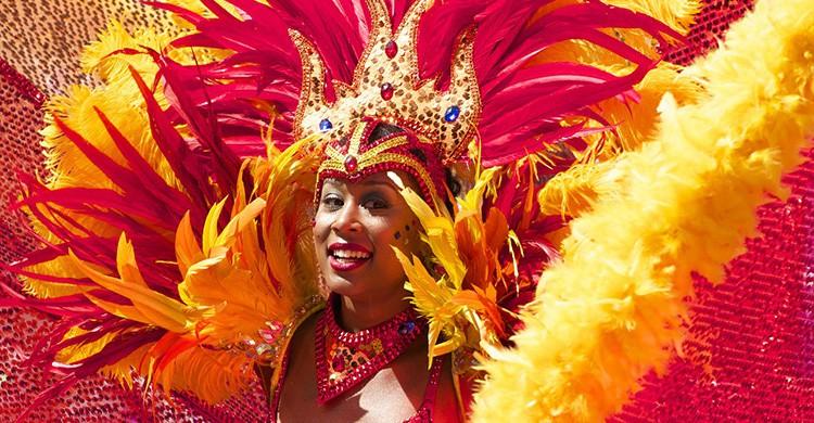 Mulher disfrazada en el Carnaval de Río de Janeiro