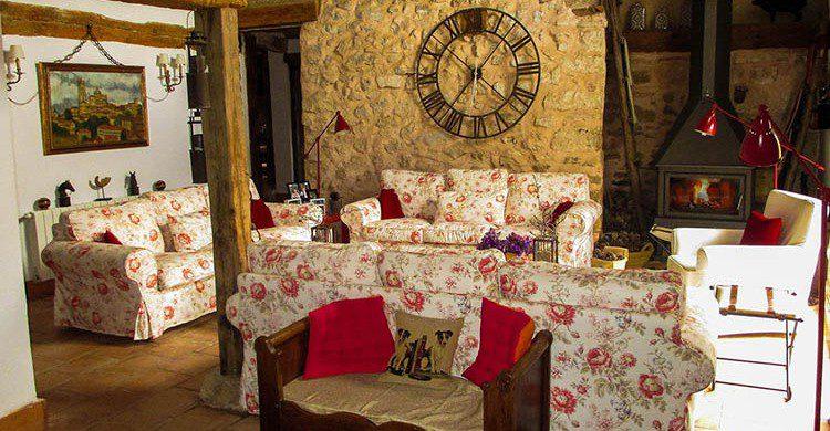 El salón de una casa rural