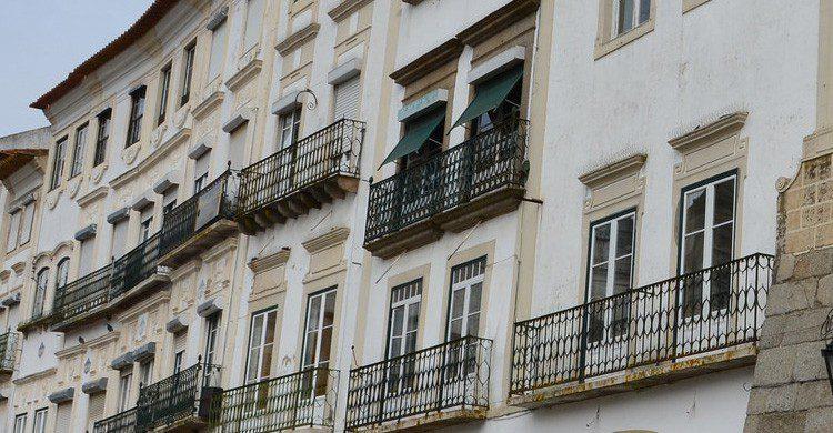 Los clásicos balcones de Évora, Portugal (Fuente: Richard Mortel / Flickr)