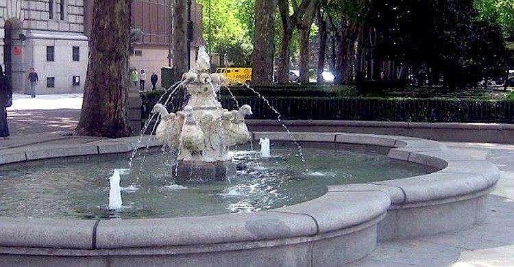 La 'fuente de los patos' en Madrid, (arteenmadrid.wordpress.com)