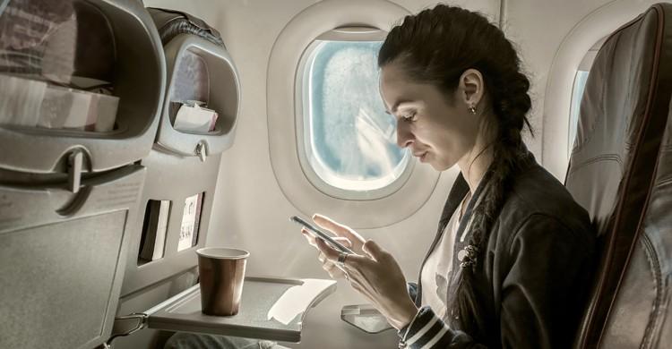 usar el movil durante el vuelo