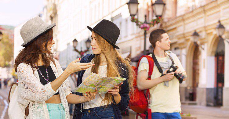 Podrás viajar solo o con un grupo de cinco amigos y elegir entre 30 países (iStock)