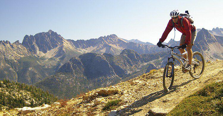 Las mountain bike ofrecen más movilidad a la hora de girar y recorrer rutas (iStock)
