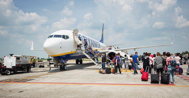 Podrás viajar de junio a septiembre con precios reducidos gracias a Ryanair (iStock)