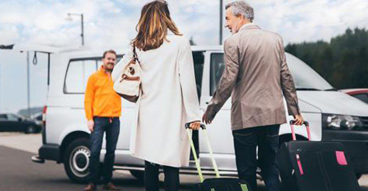 Dejar tu coche en el parking del aeropuerto es una muy buena opción cuando viajas (Parkos)