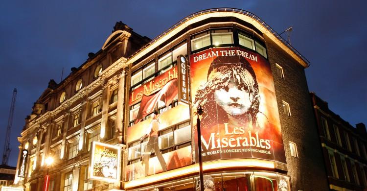 Fachada del London Queen's Theatre