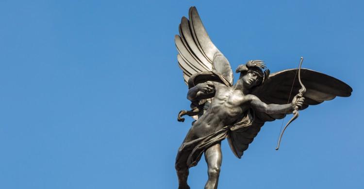 La estatua de Eros en Picadilly Circus, Londres