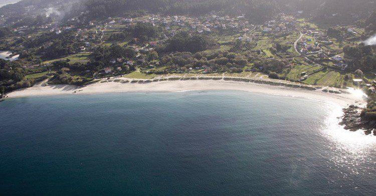 Playa de AreaBrava en Pontevedra, Galicia (Fuente: turismo.gal)