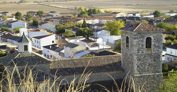 Visita el Castillo de Fuentidueña de Tajo (wikipedia commons)