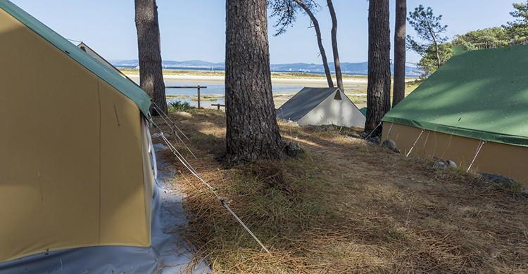 Camping en las Islas Cíes (iStock)