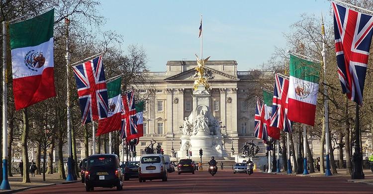 Buckingham Palace (Pixabay)