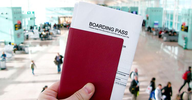 El viajero ha de demostrar, con los billetes, que tiene la intención de salir del país (iStock)