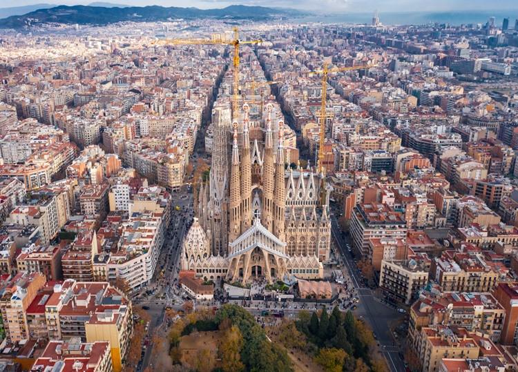 Descubre la arquitectura barcelonesa en Semana Santa. Foto: iStock