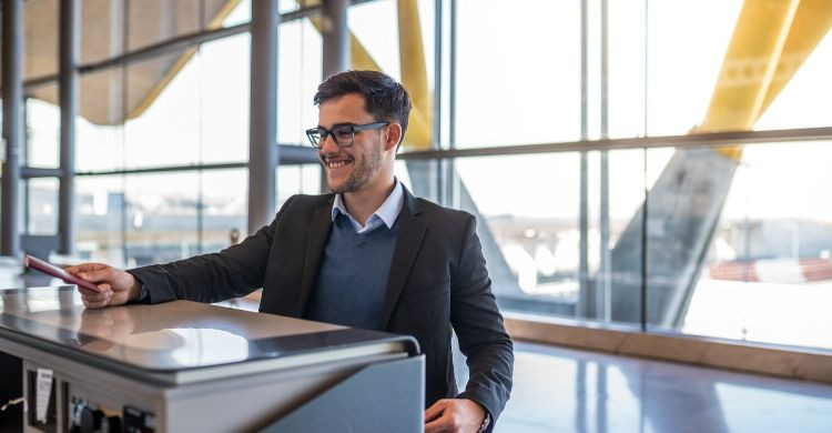 Check in (iStock)