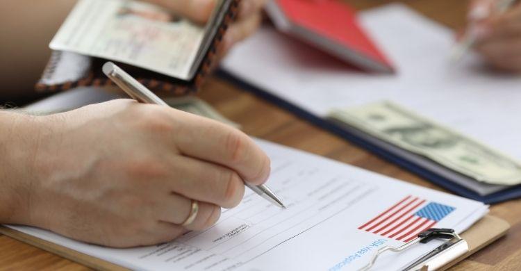Trámites para solicitar un visado (iStock)