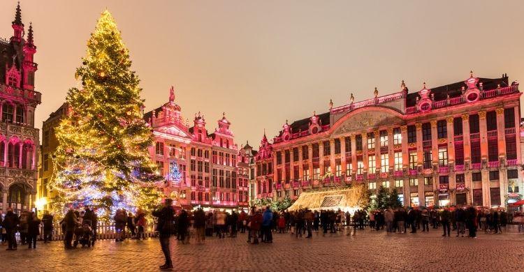 Bruselas desprende magia e ilusión en las fechas Navideñas. ¡No te pierdas su mercadillo! (iStock)