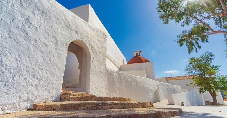 Este verano es la oportunidad perfecta para disfrutar de otra Ibiza: de la magia de sus pueblos interiores (iStock)